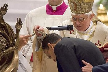 Magdi Allam is baptized by Pope Benedict XVI