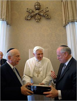 Pope Benedict receives a delegation of American Jews at the Vatican